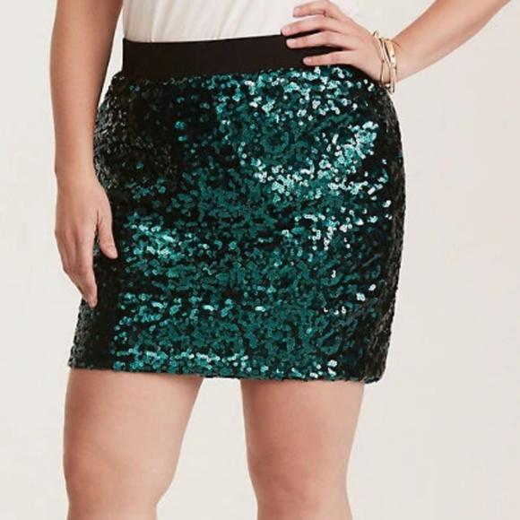torrid sz1 green sequin mini skirt